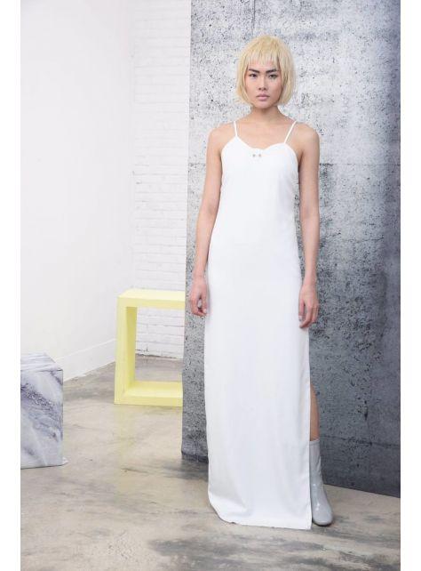 白色開衩長細肩帶洋裝