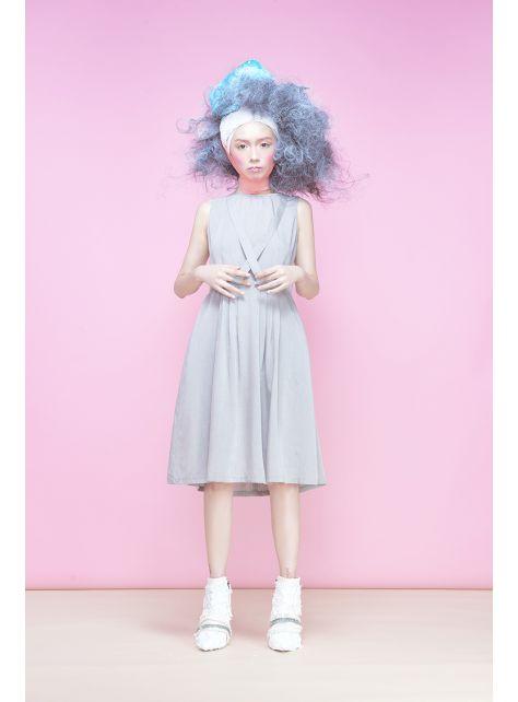 半寶石『灰色交叉領洋裝』