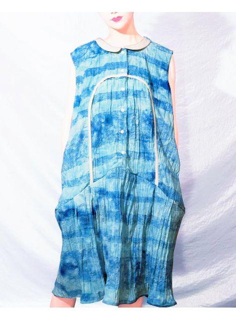 半寶石『藍色Over Size花瓣領長洋裝』