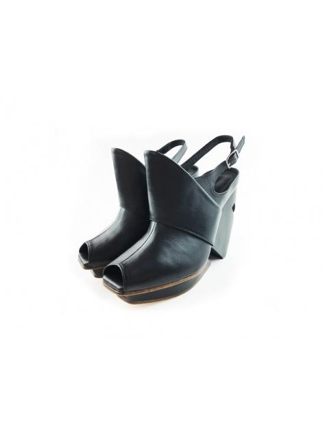 CLAVE [The Deep] 深海主題鞋Mitsukurina owstoni-歐氏劍吻鯊-黑-腳背立體設計魚口鞋