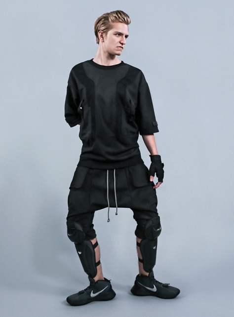 重力黑寬版五分袖上衣