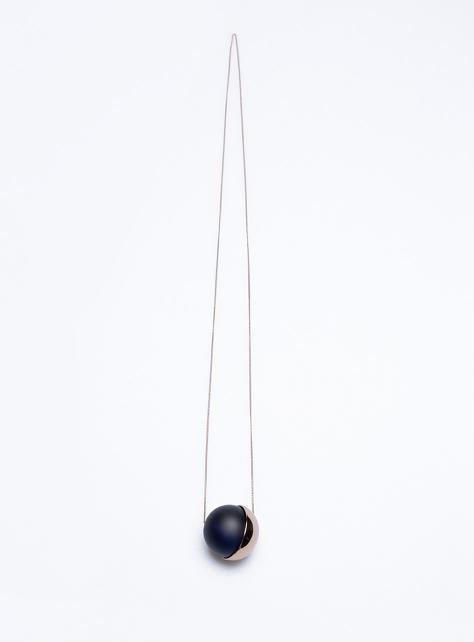 COS圓球吊墜項鍊