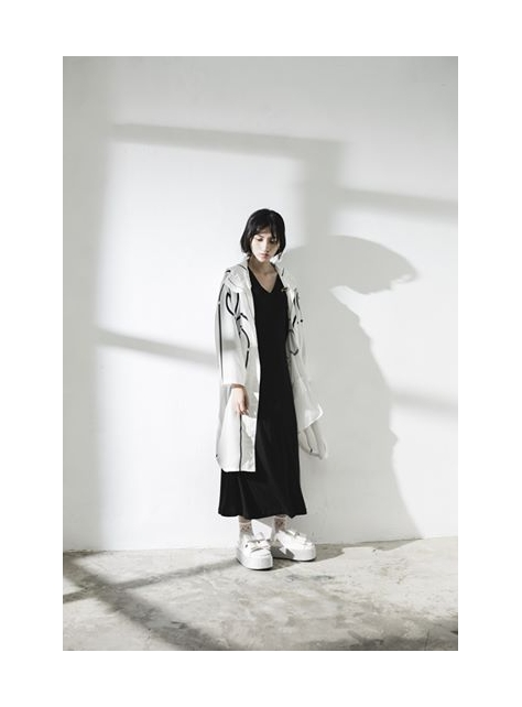 黑色長版V領連身裙
