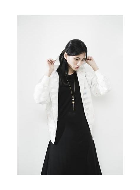 沈默黑色純綿洋裝袖