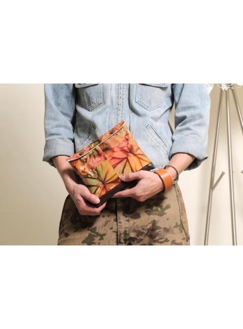 RED CAPACITY-UNIQUE-手做皮革花樣圖騰手拿包/相機包