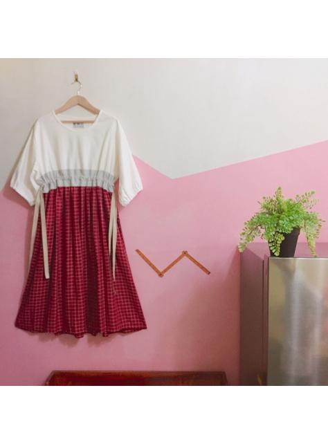 雪白赤紅高腰洋裝