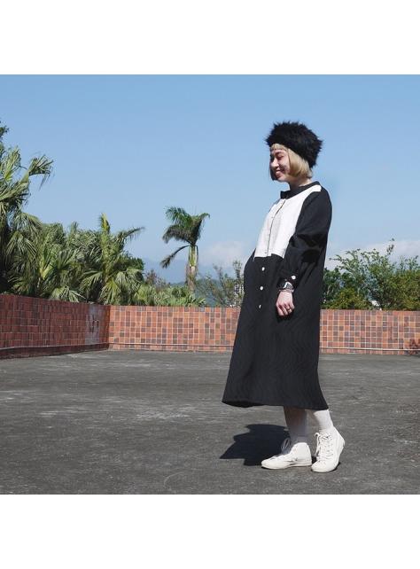 黑白流動外套洋裝