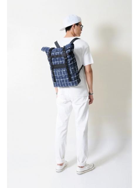RED CAPACITY-SAPPHIRE-手做深藍色格紋棉布+牛仔丹寧布捲蓋式後揹包