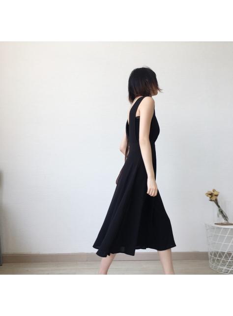 特殊剪裁背心連衣裙