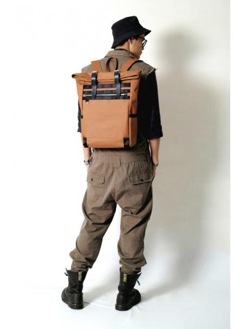 RED CAPACITY-MAPLE SYRUD-手做皮革 上膠防水帆布後背包