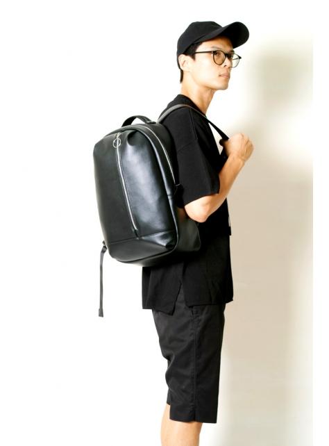 BLACK x BLACK-手做防水人造皮革後揹/筆電包